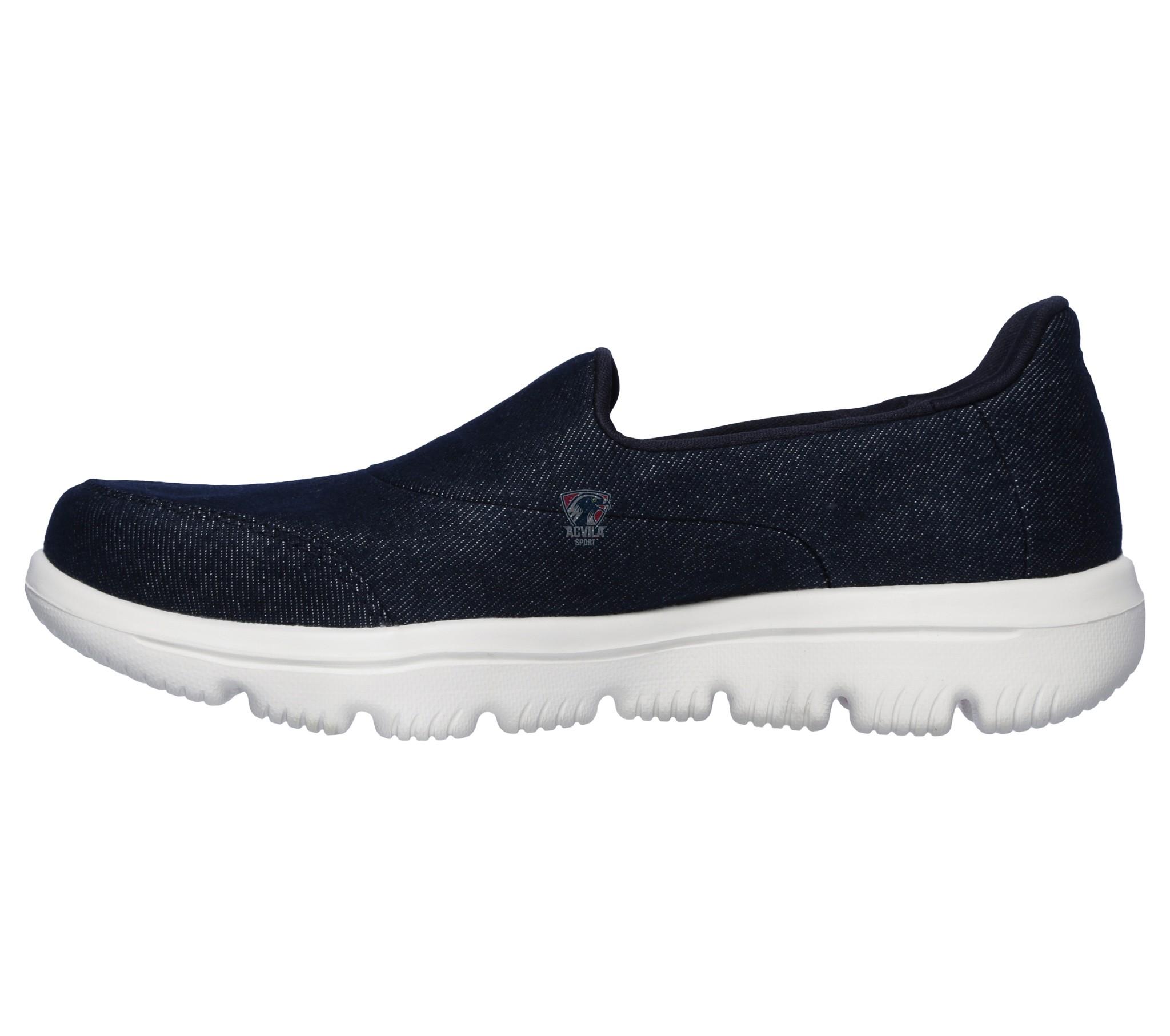 photo 0 Спортивная обувь GO WALK EVOLUTION